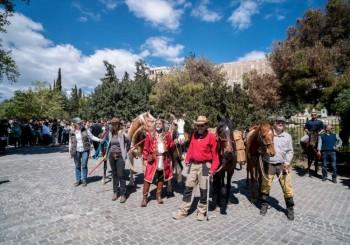 Kunst im Spannungsfeld von Politik und Tierschutz – Der Ritt von Athen zur Documenta 2017 nach Kassel