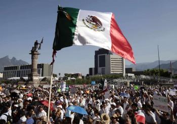 USA kürzen Sicherheitshilfe an Mexiko – Ermittlungen wegen Verschwindenlassen von 43 Studenten werden neu aufgenommen