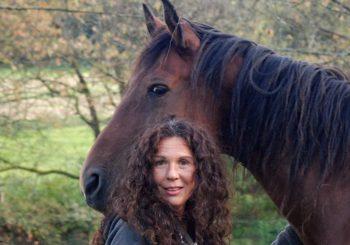 """Die Philosophin Elma Esrig im Exklusivinterview: Kentaur – """"Die Einheit zwischen Mensch und Pferd"""""""